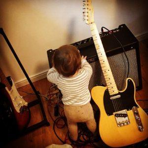 daddysgirl fender rocknroll telecaster stratocaster fenderguitars fendertelecaster iloverocknroll Weiterlesen