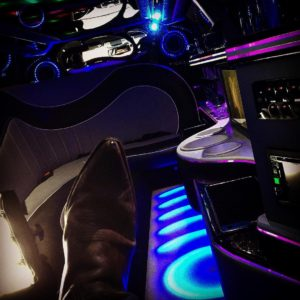 setlife cowboyboots limousine setlife actorslife behindthescenes alleswaszhlt awz ingozadek andredietzhellip